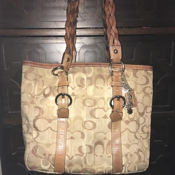 7d889ca6c51e Coach Bags | Authentic Tan Leather Signature Tote 10996 | Poshmark